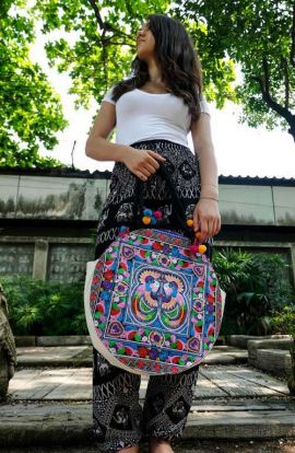 Luna Round Tote Bag - Multi Bird