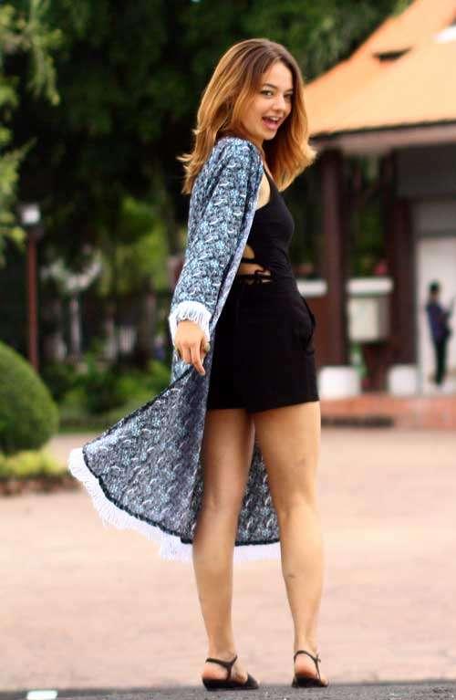 Lyla Kimono - White Tassels